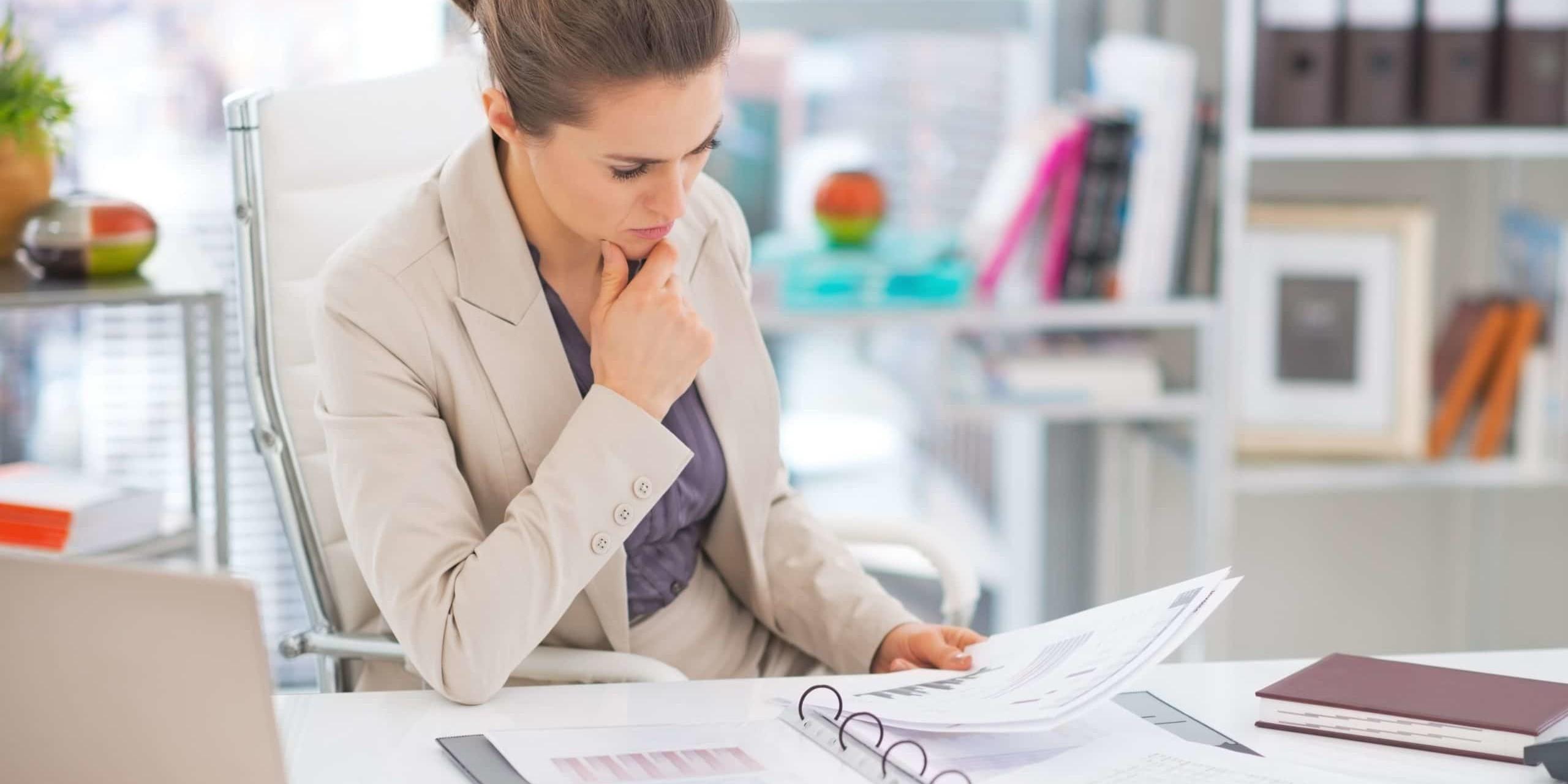 Przeglądanie danych finansowych